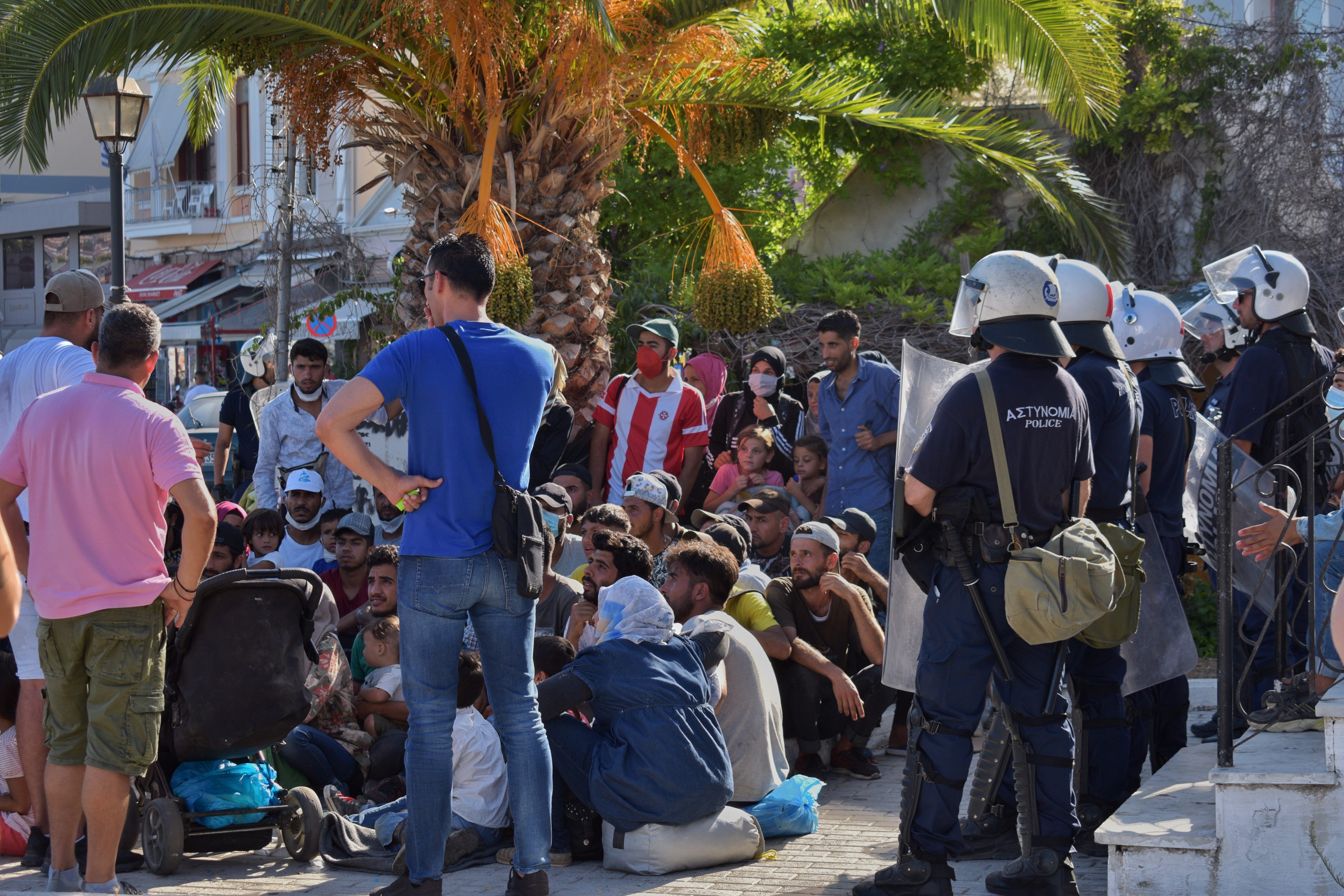 DESPITE THE DISCRIMINATORY LOCKDOWN ON CAMPS AND HOSTILITY TOWARDS MIGRANTS AND THOSE IN SOLIDARITY WITH THEM, RESISTANCE GROWS